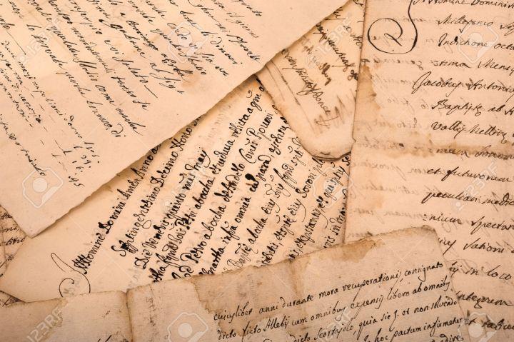 31241974-manuscritos-antiguos-escritos-en-s-banas-sucias-viejas-Foto-de-archivo