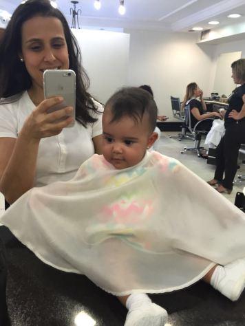 Cortando cabelo do bb