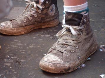 Porque nao usamos sapato em casa